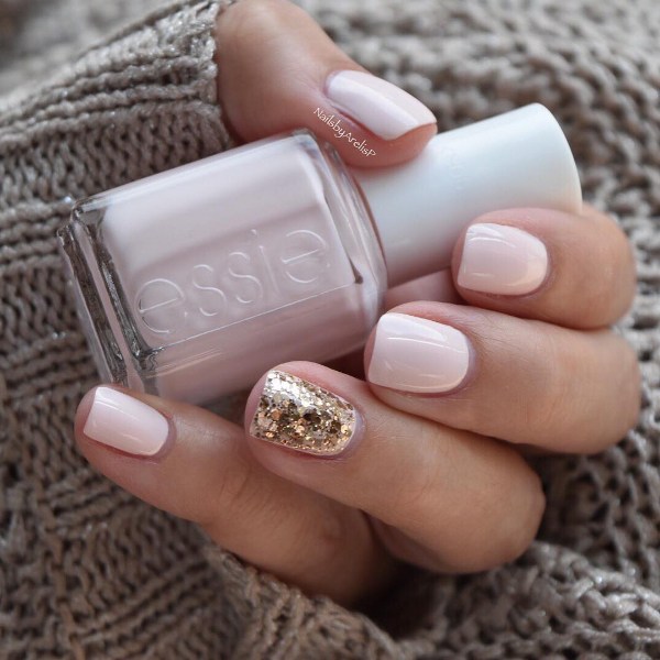 18 Stunning Engagement Manicures To Show Off Your New Ring