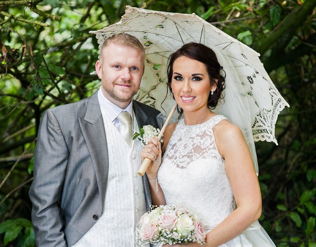 lucan-spa-hotel-real-wedding-konrad-kubic-bride-with-lace-parasol-and-groom