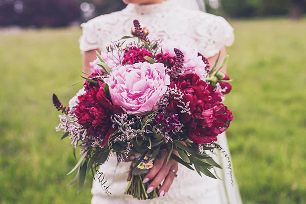Top wedding flower trends for 2017 weddingsonline top wedding flower trends for 2017 junglespirit Images