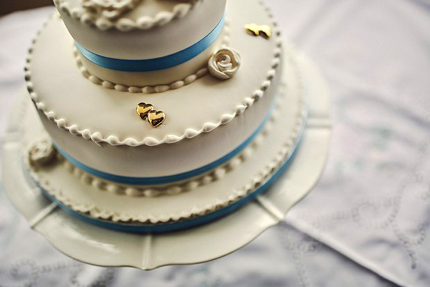 white-blue-gold-wedding-cake
