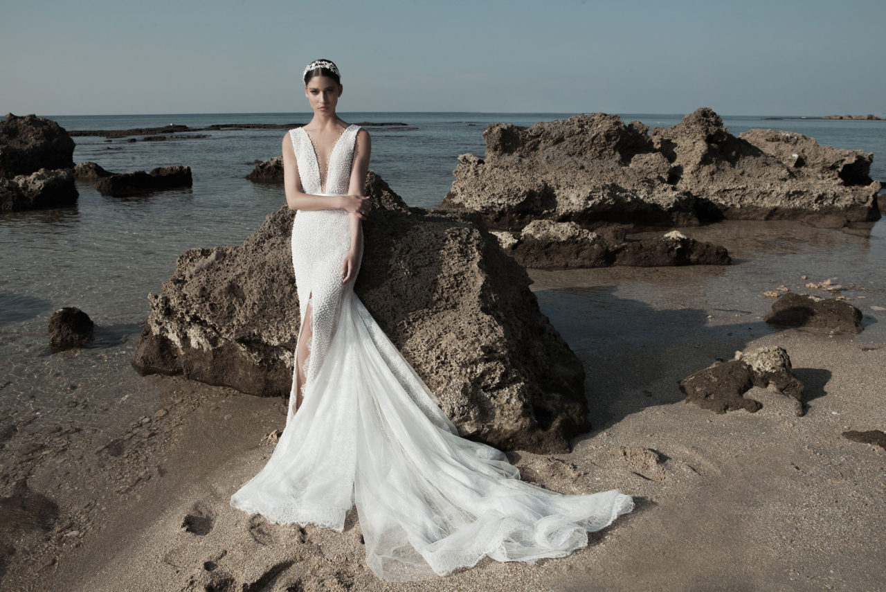 669f0b794871d Luxurious, form-fitting designs are the focal point of Alon Livne's  collections, are guaranteed to wow and be beyond a joy to wear.