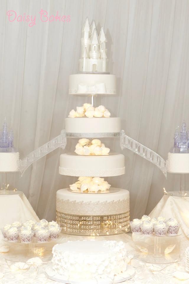 Castle Wedding Cake.28 Incredible Wedding Cakes From Irish Cake Makers Weddingsonline