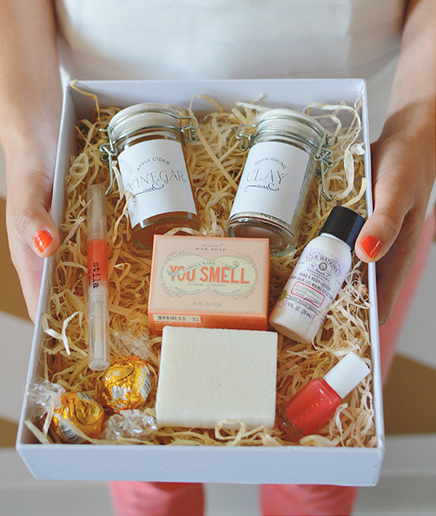Wedding Gifts Online: 12 Thoughtful Bridesmaid Gifts Your Girls Will Adore