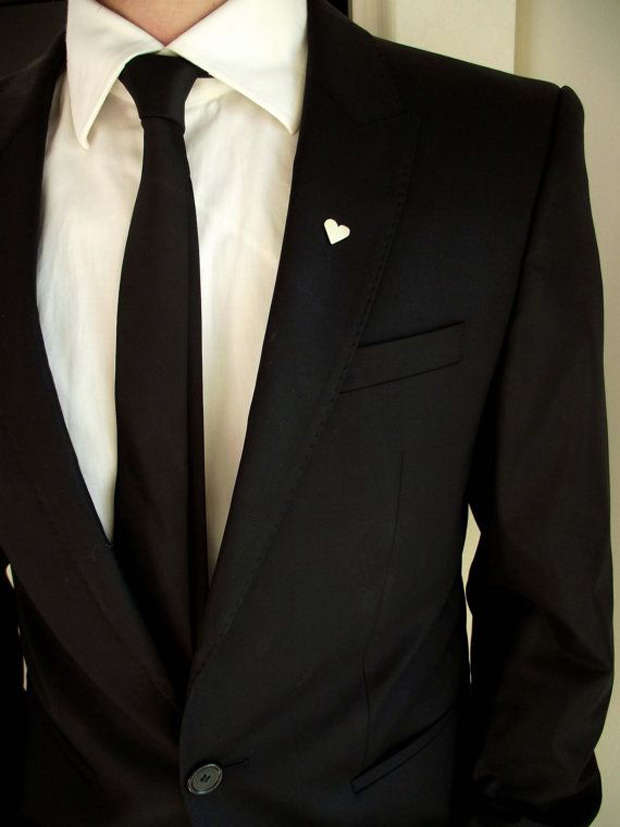 Wedding Trend - 17 Stylish Grooms with Lapel Pins