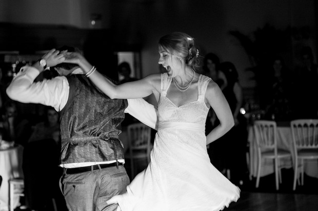 A Sweet Summerhill House Wedding by Konrad Kubic ...
