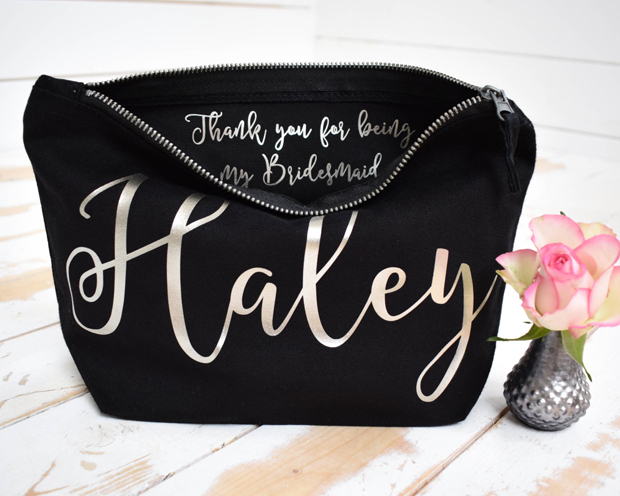 10 Pretty Personalised Makeup Bags Your