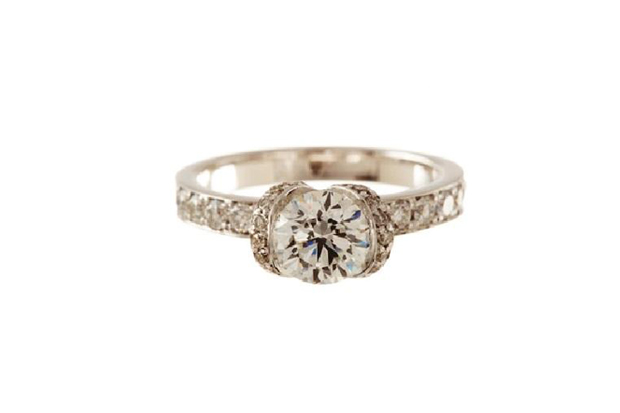 26 Incredible Engagement Rings images 22