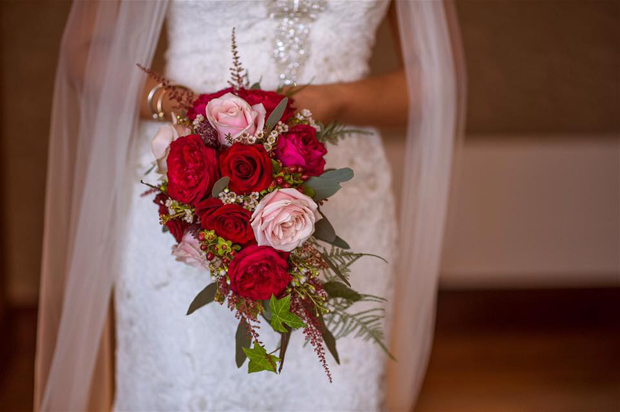 32 Beautiful Winter Wedding Bouquets