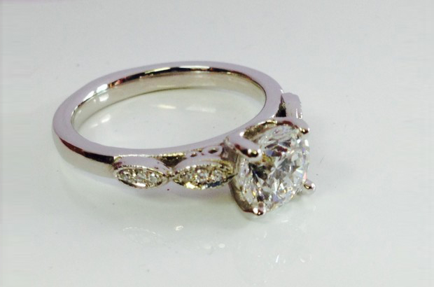 26 Incredible Engagement Rings images 20