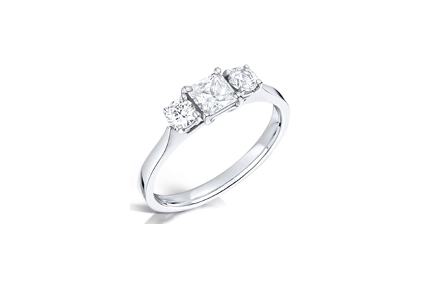 26 Incredible Engagement Rings images 0
