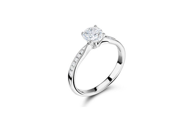 26 Incredible Engagement Rings images 1
