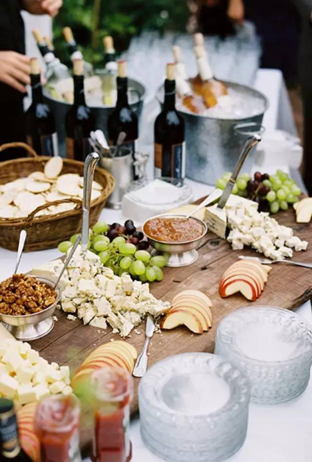 6 foodie trends you 39 ll be seeing lots of at 2018 weddings for Wedding canape alternatives