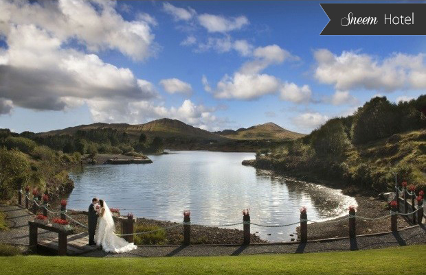 13 Idyllic Waterside Wedding Venues images 6