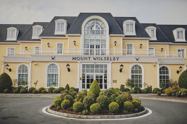 A Romantic Mount Wolseley Wedding by DKPHOTO images 1