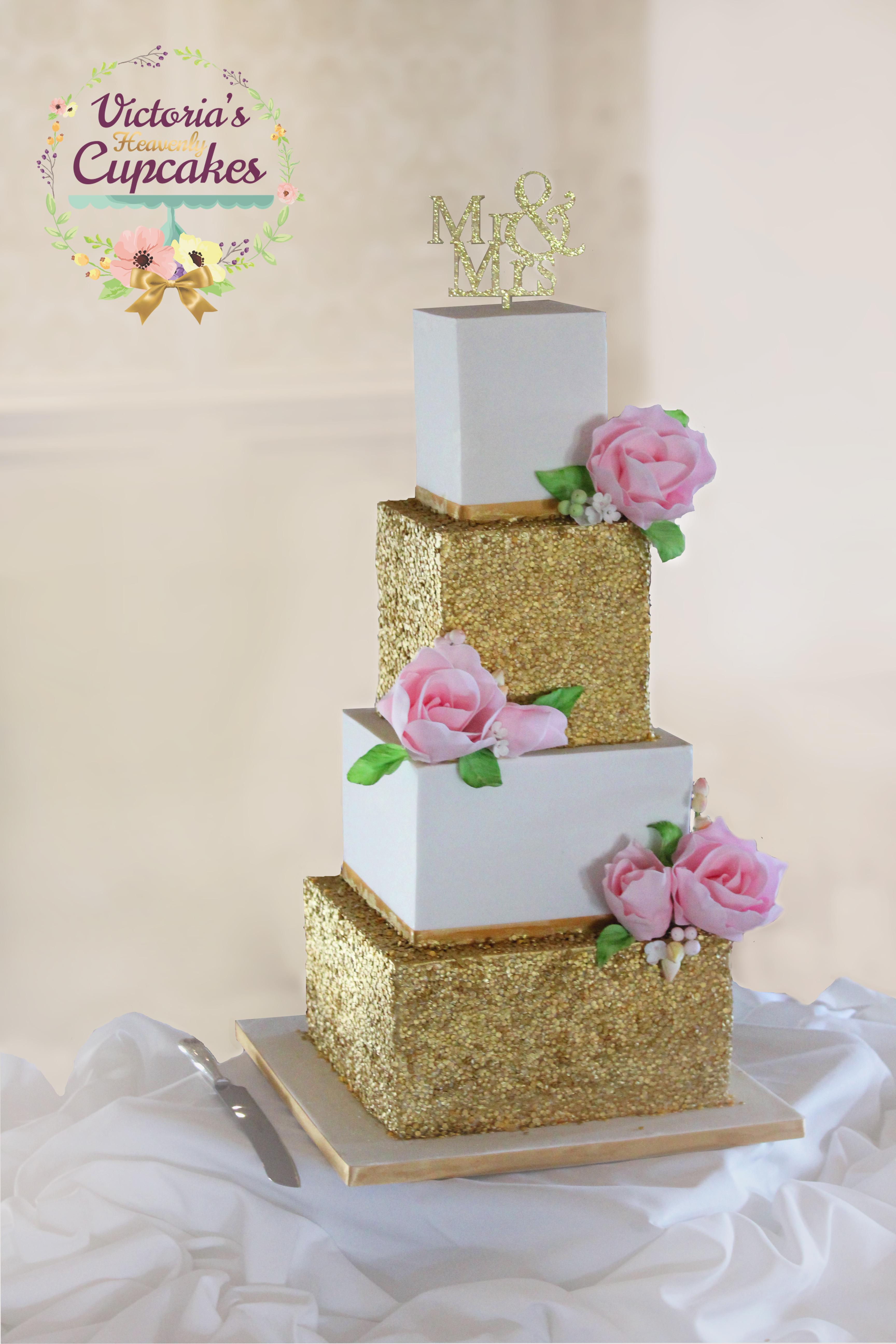 32 incredible wedding cakes from irish cake makers weddingsonline wedding cake by victorias heavenly cupcakes dublin junglespirit Gallery