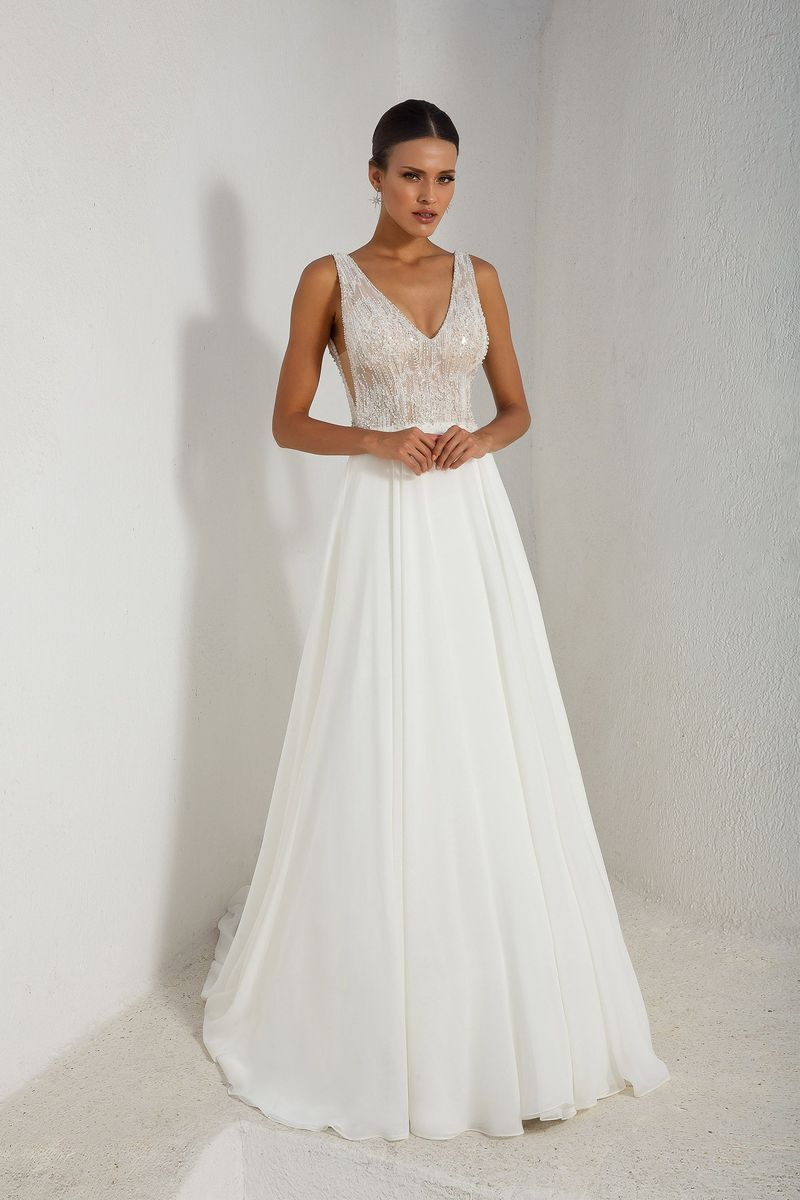 20 dreamy destination wedding dresses weddingsonline for Wedding dress destination wedding