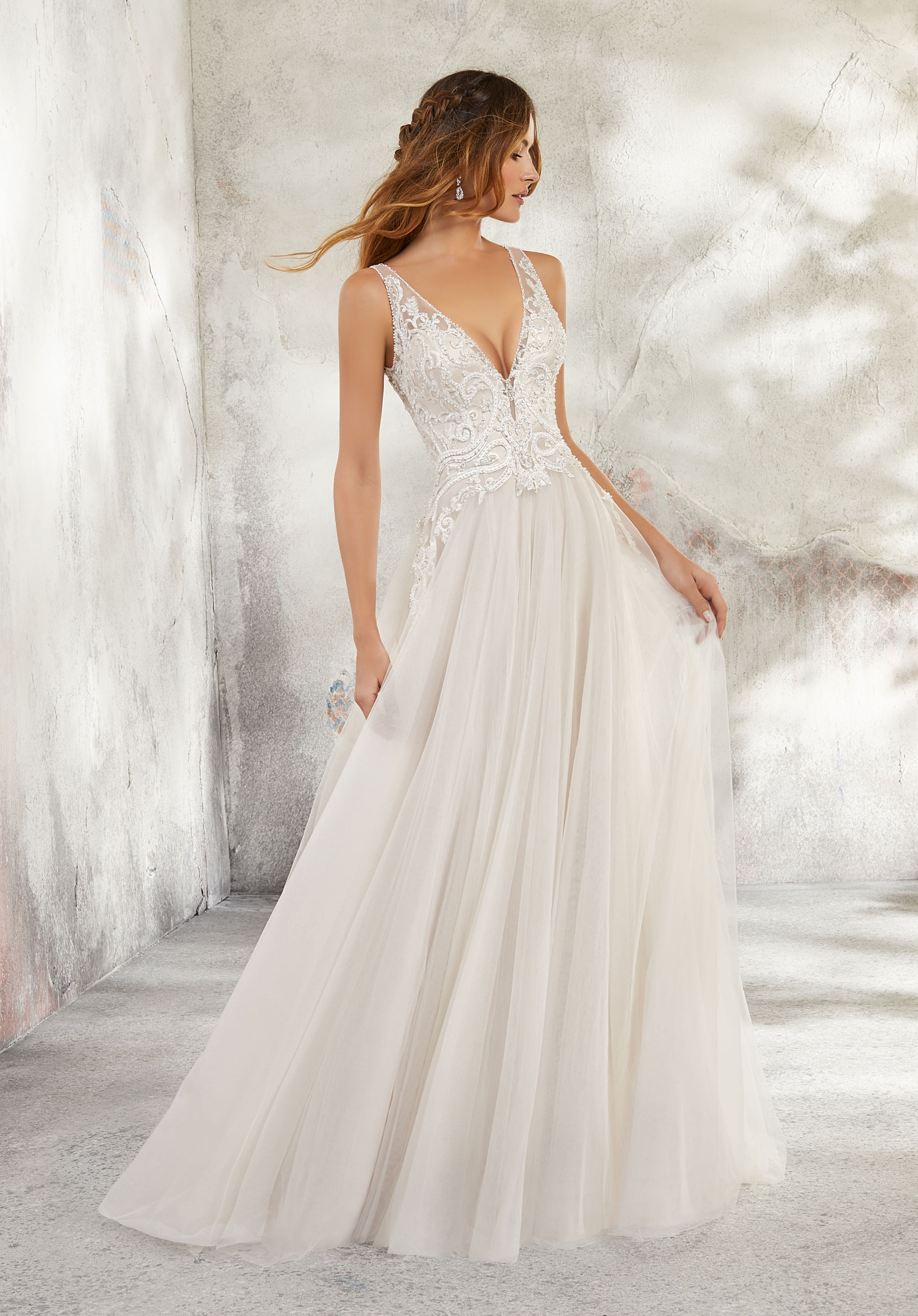 20 dreamy destination wedding dresses weddingsonline willowby by watters stockist include alice may bridal in dublin memories the bridal boutique based in dublin cork mk bridal boutique in meath and junglespirit Gallery