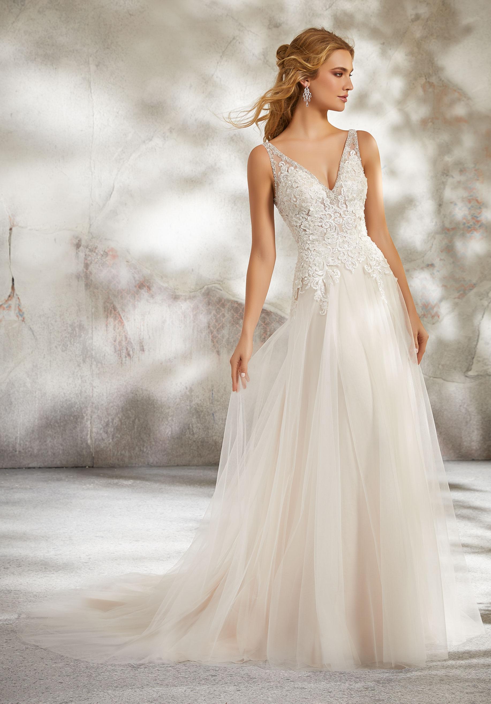 Should i buy my wedding dress online