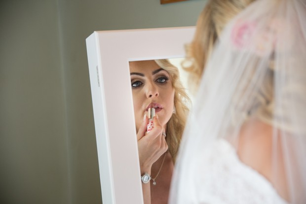 A Stylish Bridge House Hotel Wedding by Darren Byrne Photography & Film images 9
