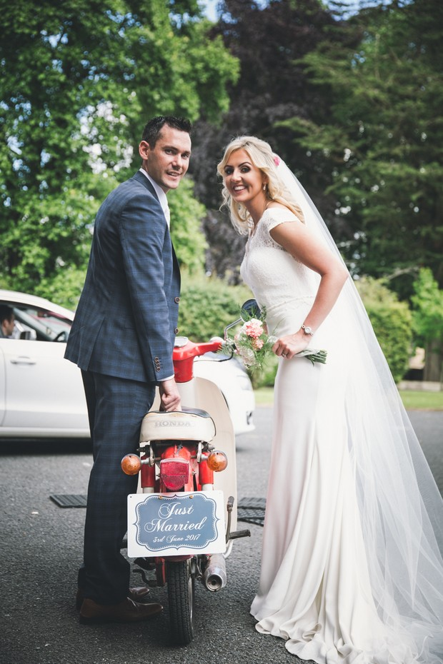 A Stylish Bridge House Hotel Wedding by Darren Byrne Photography & Film images 38