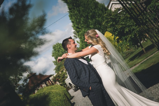 A Stylish Bridge House Hotel Wedding by Darren Byrne Photography & Film images 50