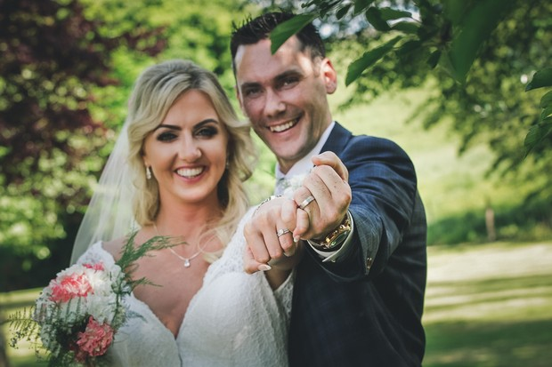 A Stylish Bridge House Hotel Wedding by Darren Byrne Photography & Film images 34
