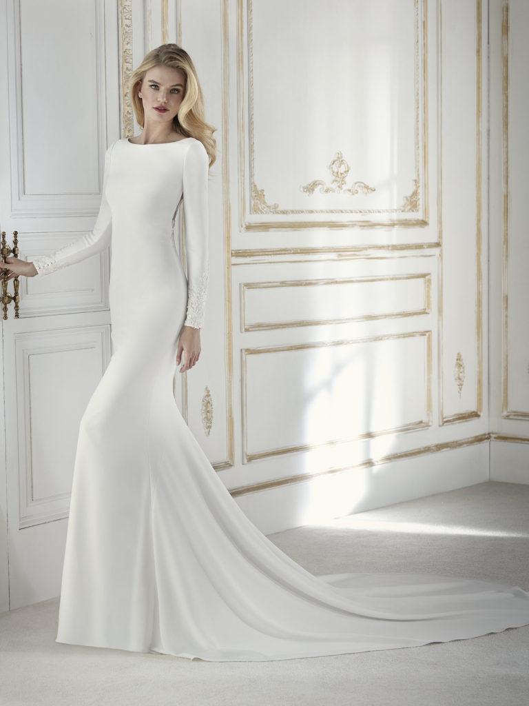 17 Chic Minimal Wedding Dresses For Modern Brides Weddingsonline