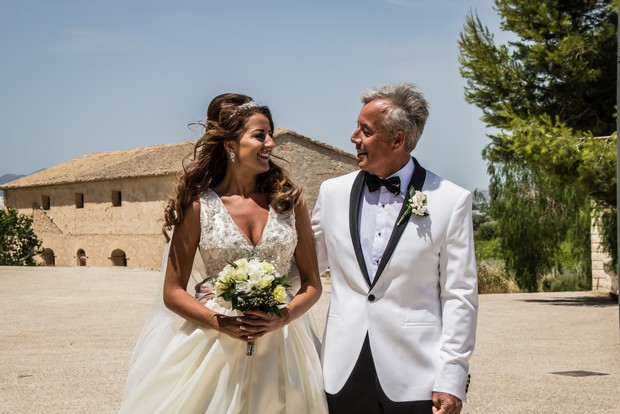 A Traditional Sun-Filled Wedding by Lyndyloo in Spain images 17