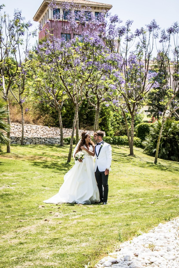 A Traditional Sun-Filled Wedding by Lyndyloo in Spain images 49