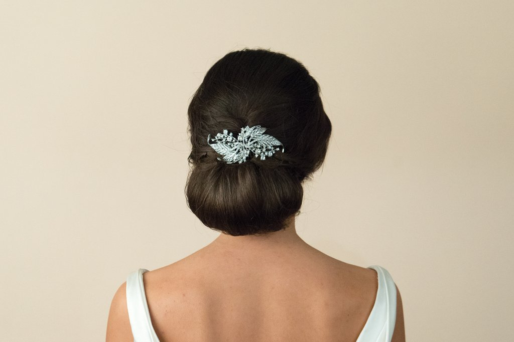 20 Beautiful Hair Combs for Vintage-Loving Brides images 15