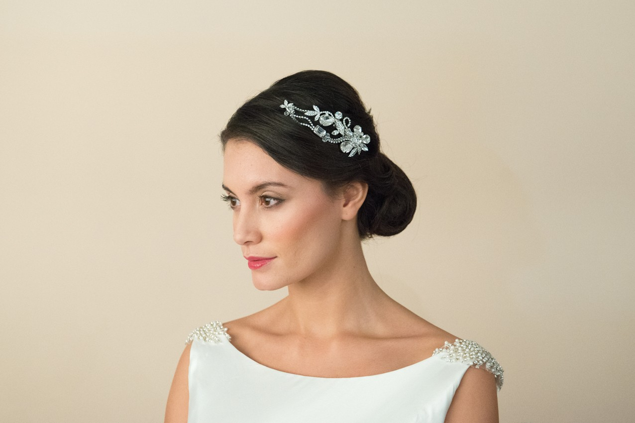 20 Beautiful Hair Combs for Vintage-Loving Brides images 9
