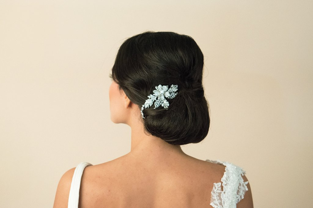 20 Beautiful Hair Combs for Vintage-Loving Brides images 1