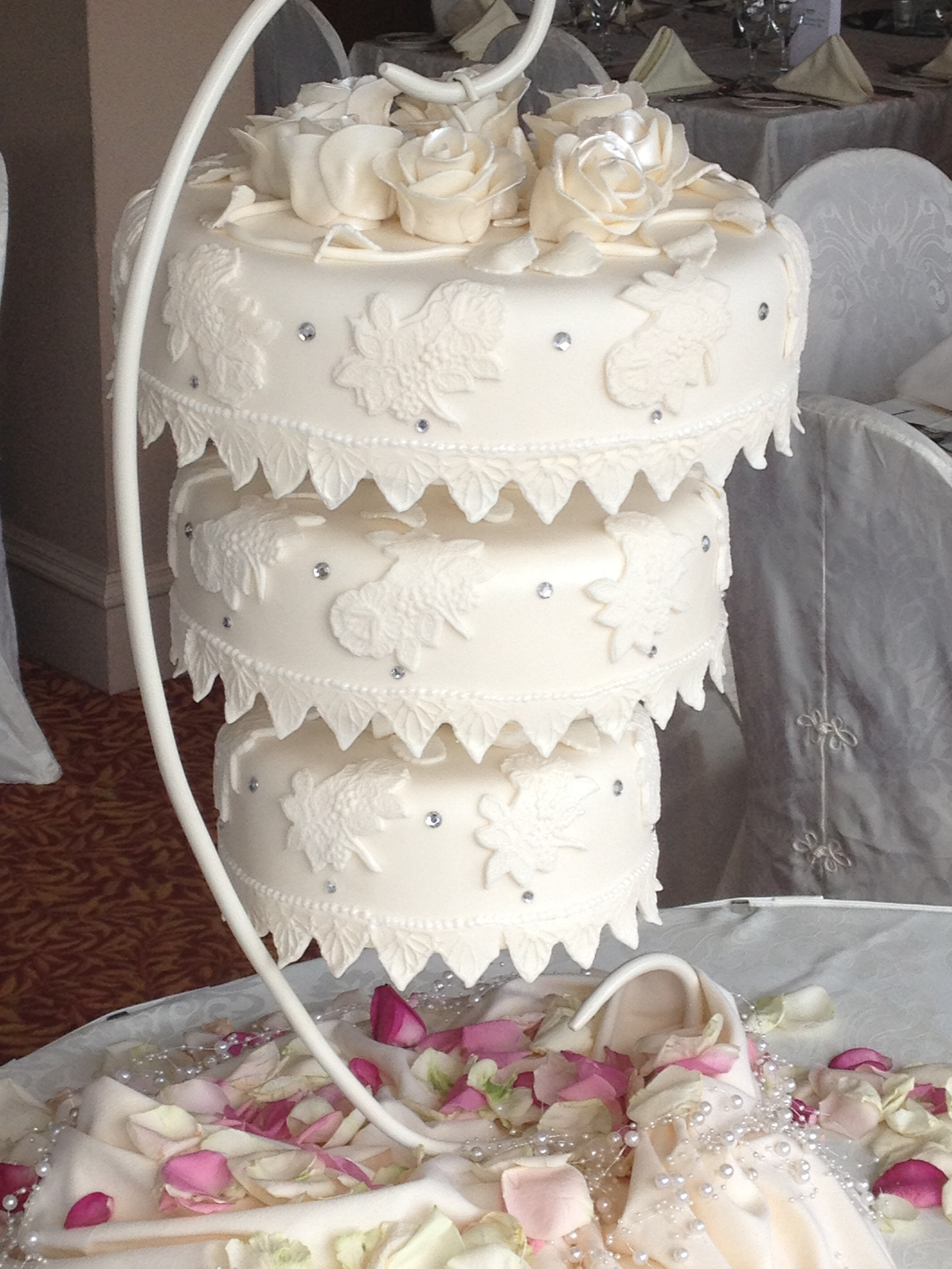 17 Lovely Wedding Cakes images 14