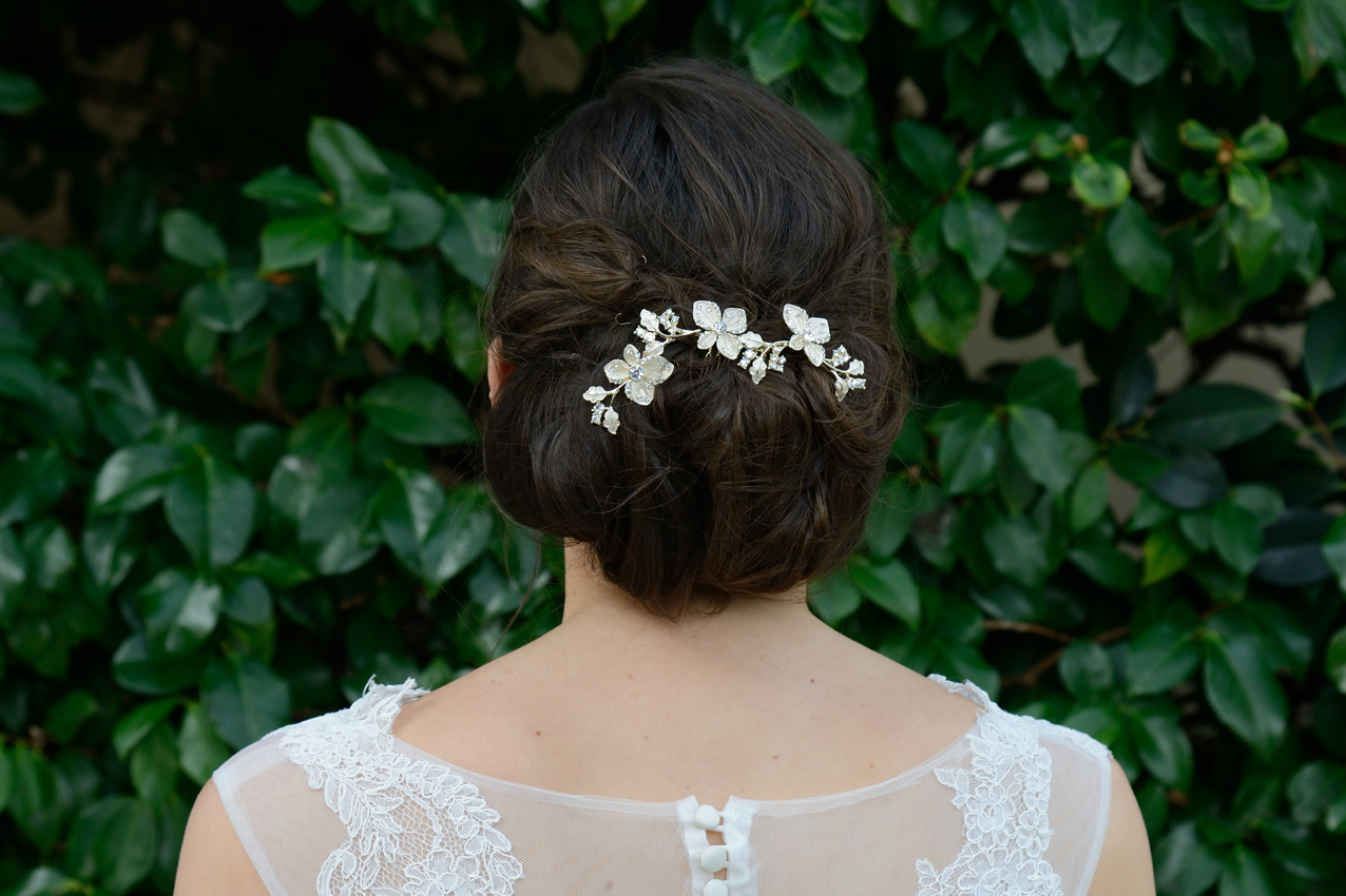 20 Beautiful Hair Combs for Vintage-Loving Brides images 6
