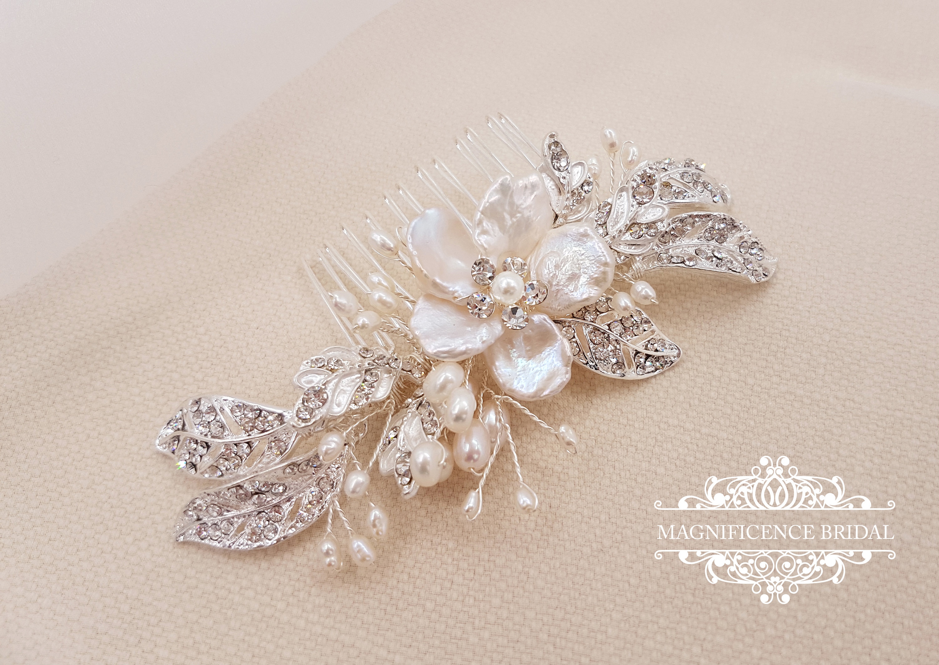 20 Beautiful Hair Combs for Vintage-Loving Brides images 5