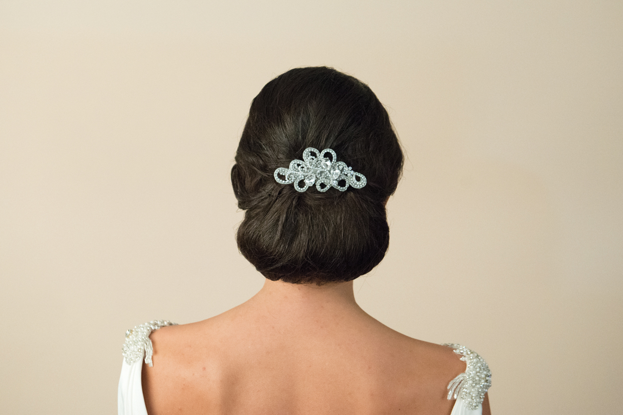 20 Beautiful Hair Combs for Vintage-Loving Brides images 17