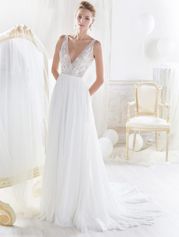 Ask the Experts: What Type of Dress Should I Choose for a Destination Wedding? images 1