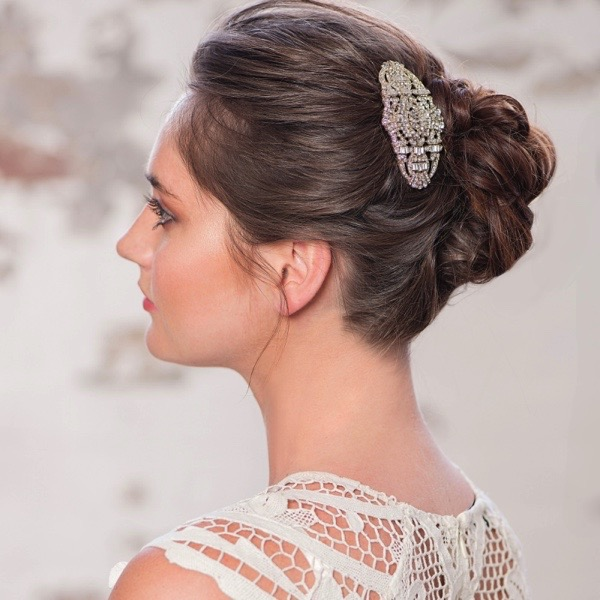20 Beautiful Hair Combs for Vintage-Loving Brides images 16