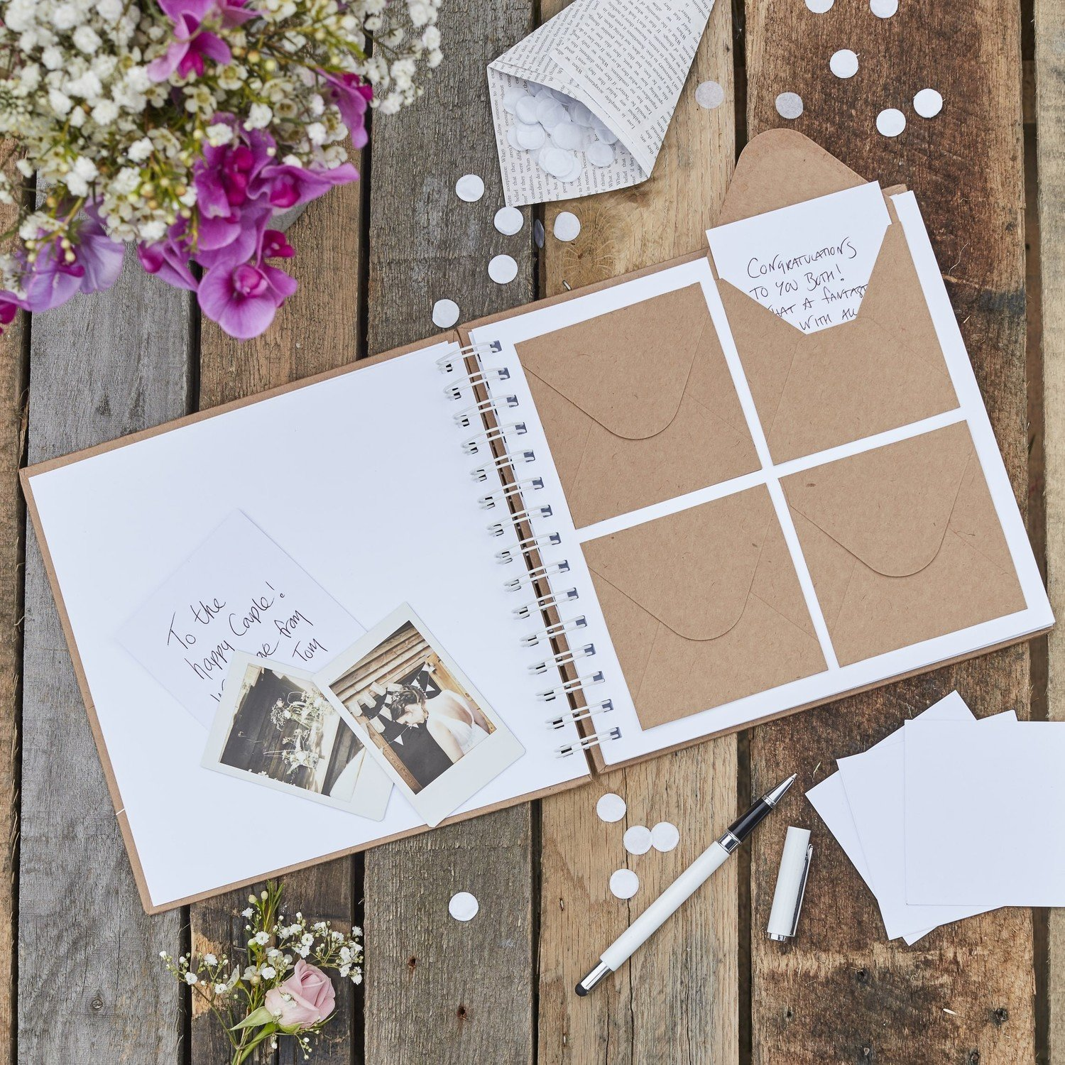13 Gorgeous Wedding Guest Books You Can Pick Up Now! images 11