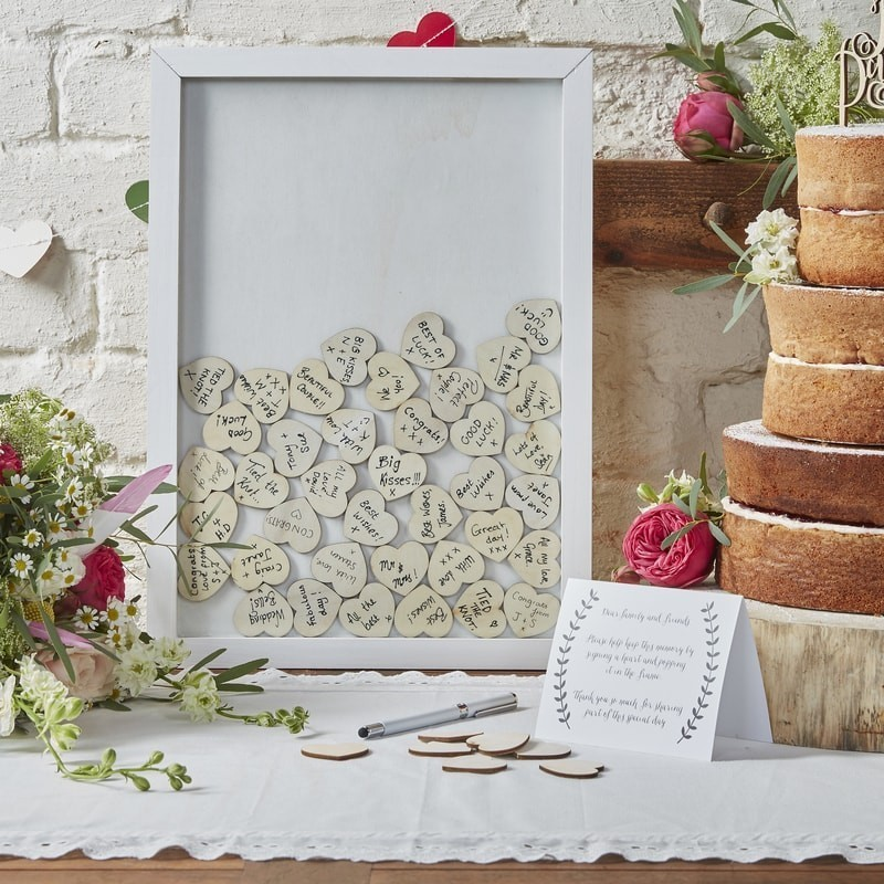 13 Gorgeous Wedding Guest Books You Can Pick Up Now! images 6