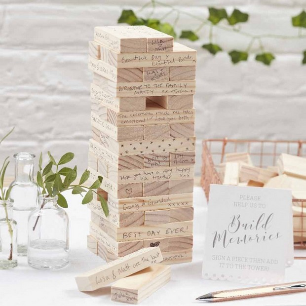 13 Gorgeous Wedding Guest Books You Can Pick Up Now! images 9