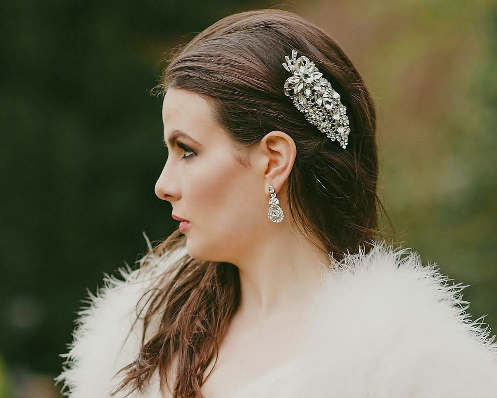 20 Beautiful Hair Combs for Vintage-Loving Brides images 8