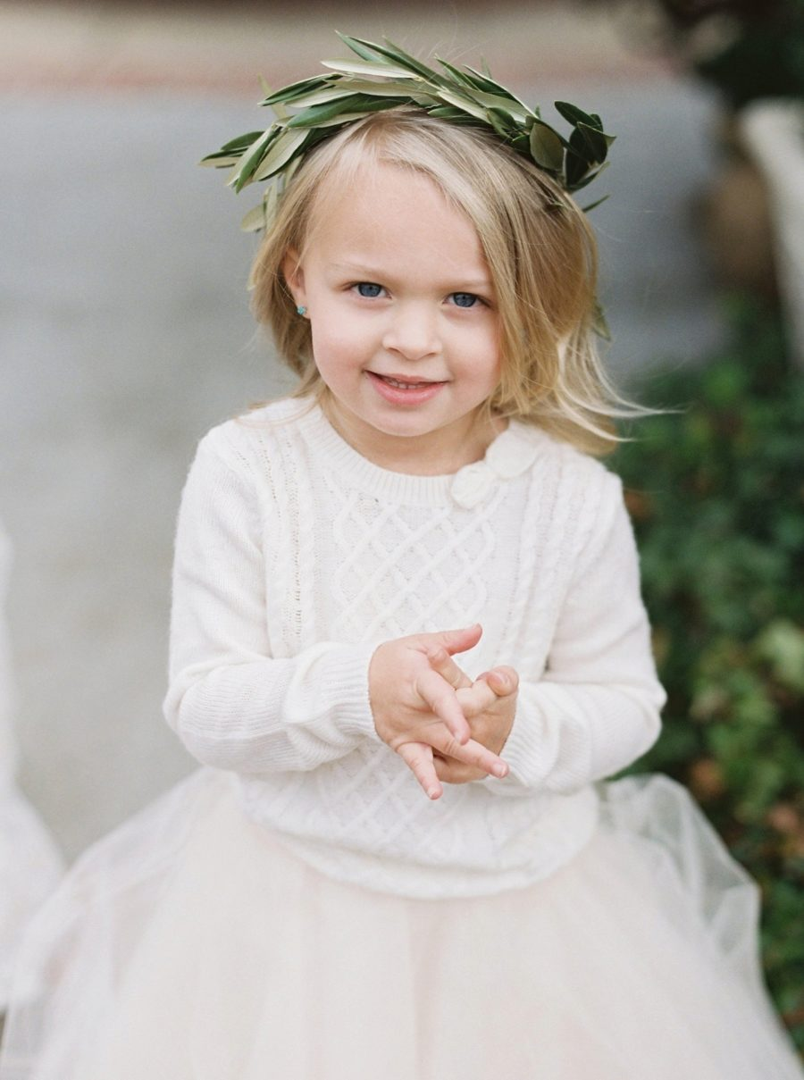 381723def 13 Adorable Ideas to Steal for Your Autumn/Winter Flower Girl ...