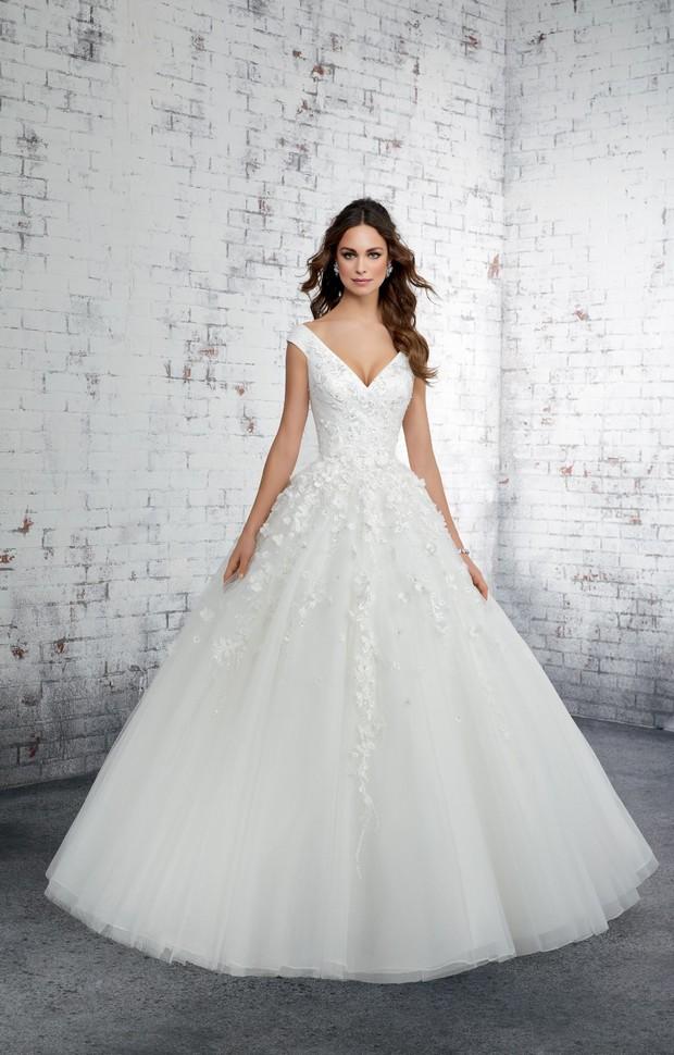 30 Exquisite Wedding Dresses For A Winter Bride Weddingsonline