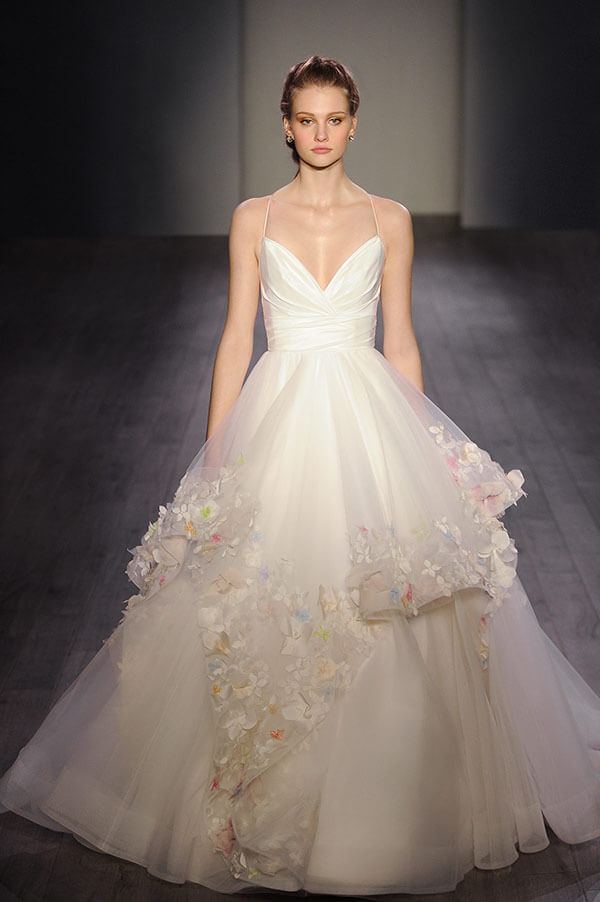 Wedding-dress-details-Hayley-Paige