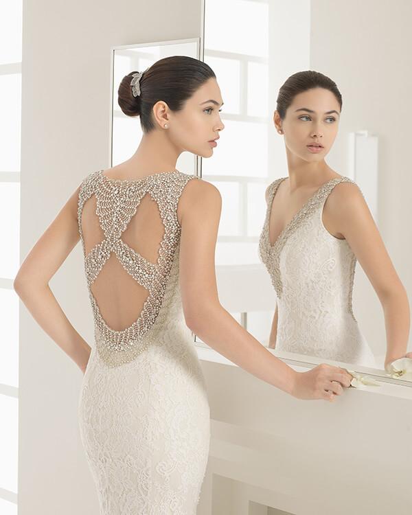 Wedding-dress-details- Rosa-Clara