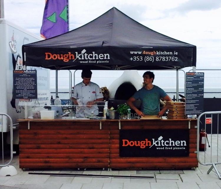 dough-kitchen-wedding-pizza-hire-ireland-mrs2be