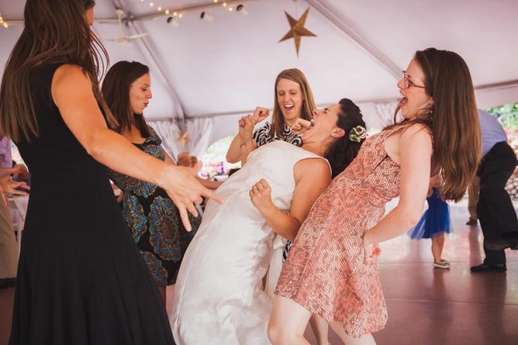 wedding-guests-dancing-bride-mrs2be