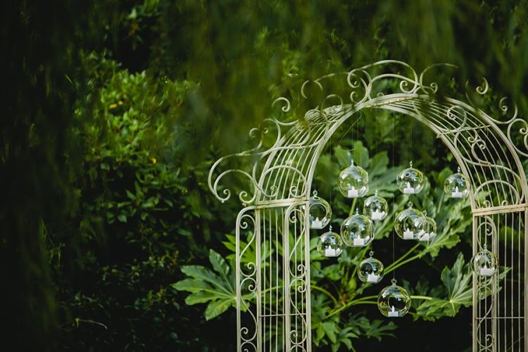 10-intimate-St-Kilda-outdoor-wedding-ceremony-backdrop