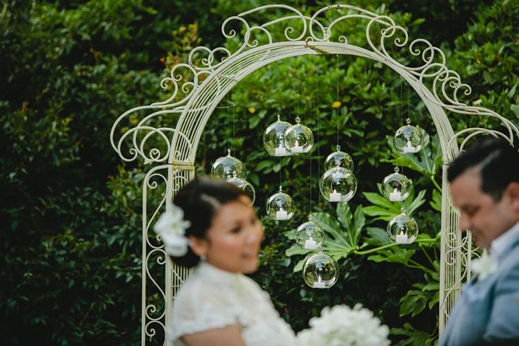 14-intimate-St-Kilda-outdoor-wedding-ceremony